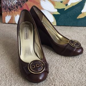 Steve Madden brown leather wedges